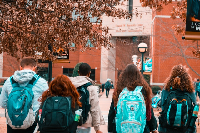 What to Think About During a College Campus Visit